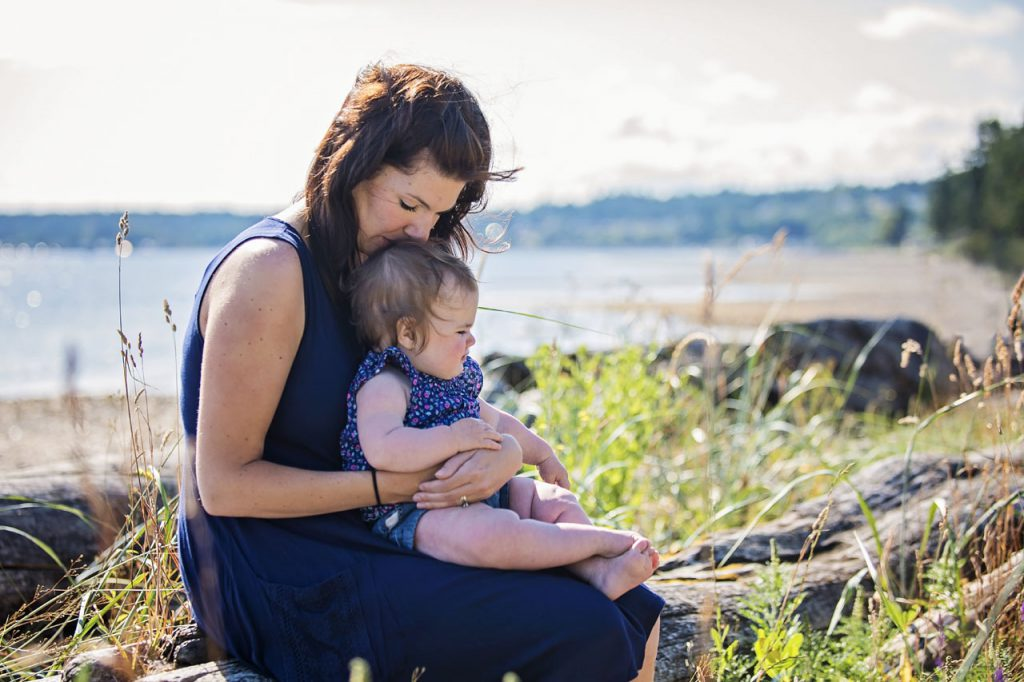 Vancouver Island photography of mom and daughter on beach in Oceanside BC