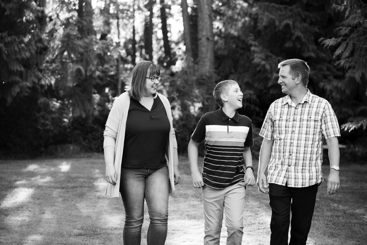 Nanaimo outdoor family photos, outdoor family photos Parksville, outdoor family photos Qualicum Nanaimo outdoor family photographer, Parksville outdoor family photographer, Qualicum outdoor family photographer, Nanaimo outdoor family photographers, Parksville outdoor family photographers, Qualicum outdoor family photographers, Nanaimo outdoor family photography, Qualicum outdoor family photography, Parksville outdoor family photography